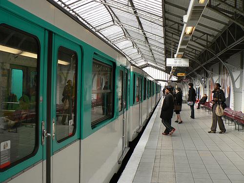 metro paris Plan du Metro de Paris avec les noms de rues